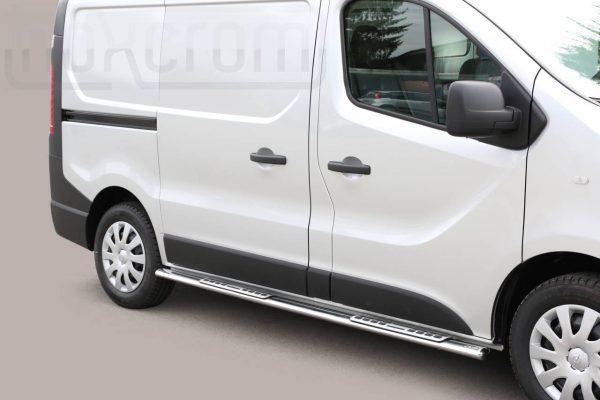 Opel Vivaro Swb 2014 2018 - ovális oldalfellépő betéttel - mt-111